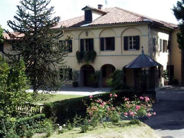Villa nobiliare tra le vigne