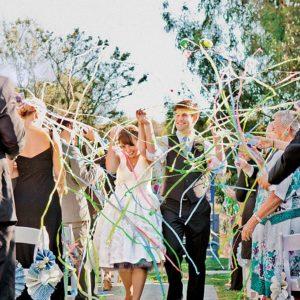Un giorno un sogno_wedding planner Torino_lancio del riso matrimonio_stelle filanti